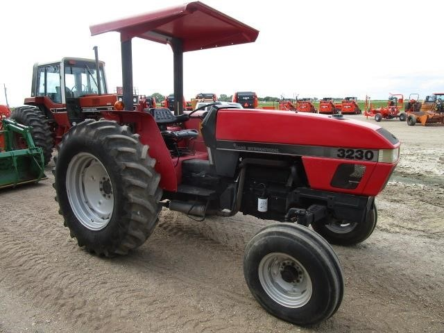 1995 Case IH 3230 Tractor