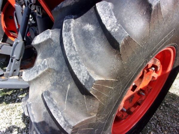 2015 Kubota M9960 Tractor