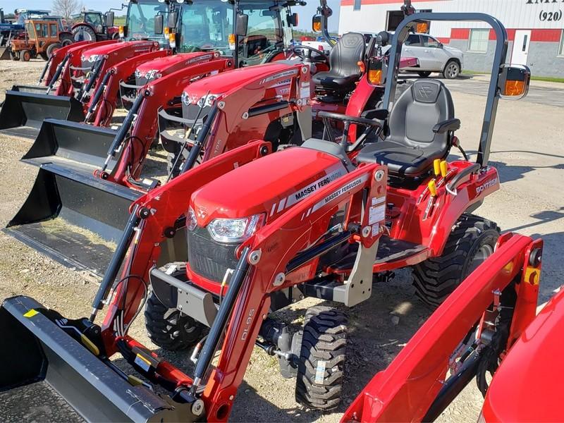 Massey Ferguson GC1725M Tractor