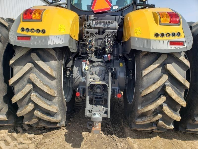 2017 Challenger 1050 Tractor