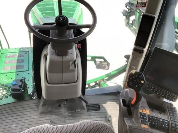 2018 John Deere R4038 Self-Propelled Sprayer