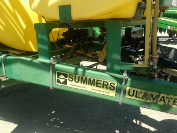 2001 Summers Manufacturing Ultimate Pull-Type Sprayer