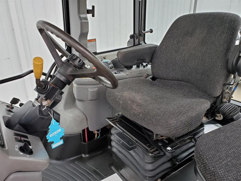 2010 Versatile 280 Tractor