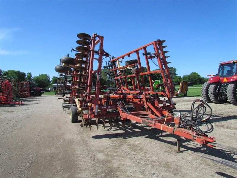 2004 Krause Landsman TL6200-27 Soil Finisher