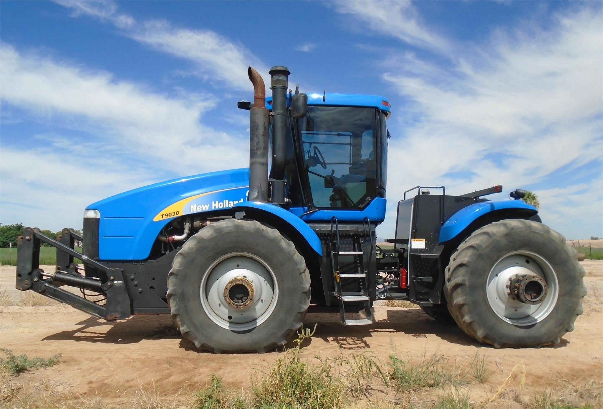 2010 New Holland T9030 Tractor