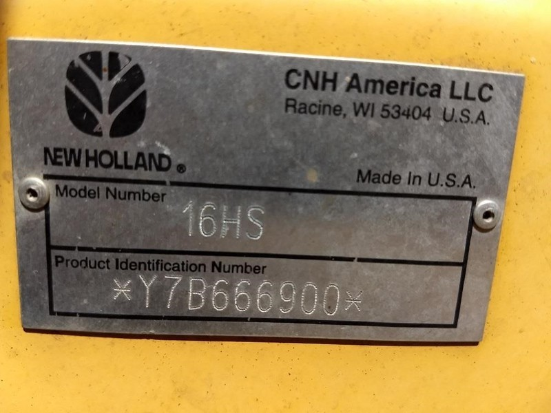 2009 New Holland H8040 Self-Propelled Windrowers and Swather