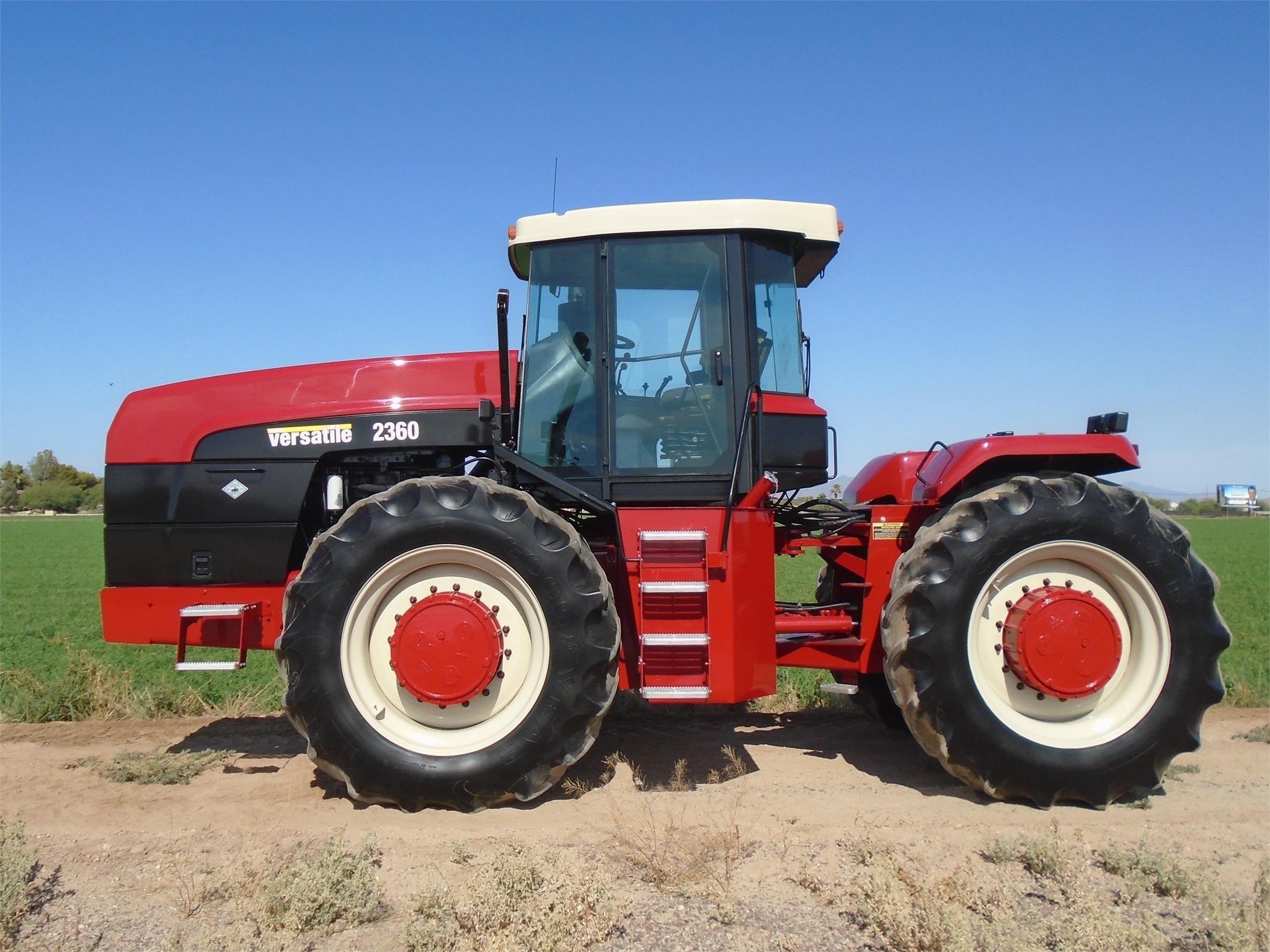 2002 Buhler Versatile 2360 Tractor