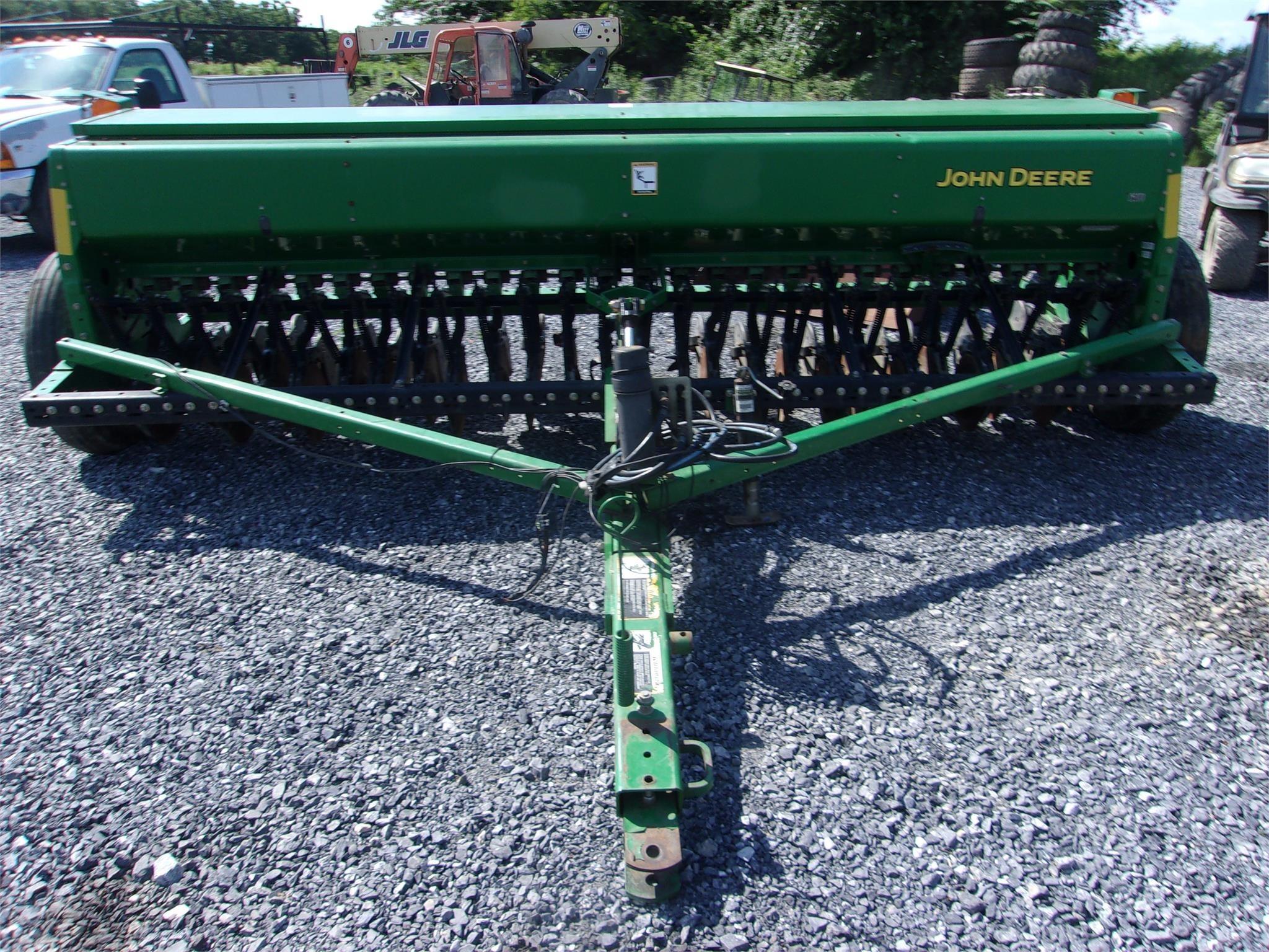 John Deere BD1113 Drill