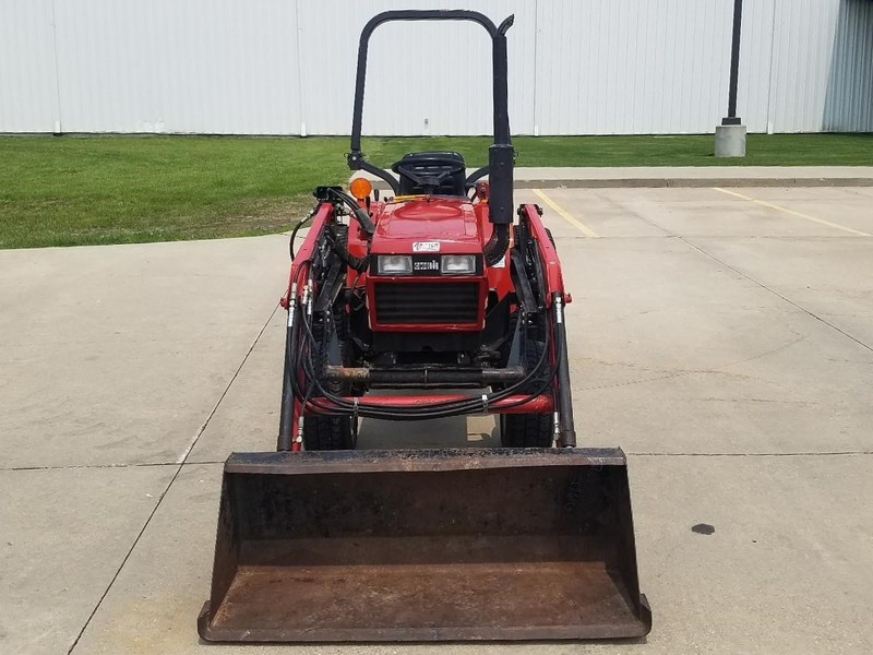 1989 Case IH 235 Tractor