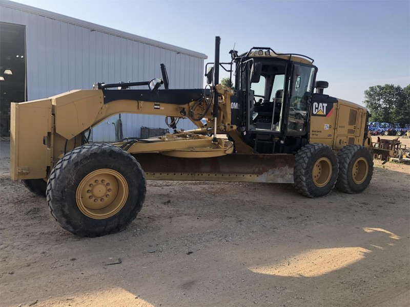 2012 Caterpillar 140 Compacting and Paving