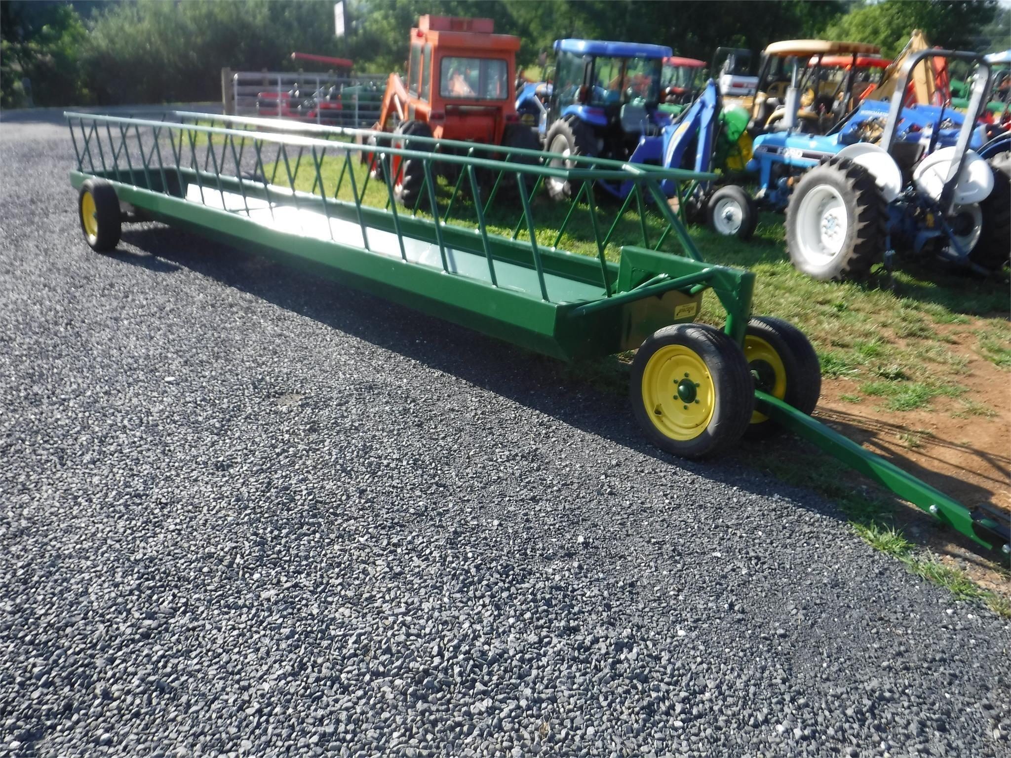 2020 Stoltzfus 4x24 Feed Wagon