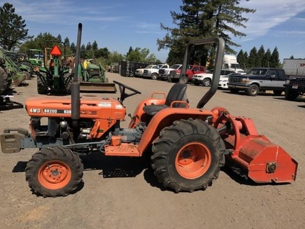 1985 Kubota B8200 Tractor