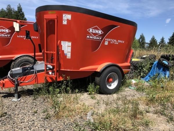 2017 Kuhn VT144 Grinders and Mixer