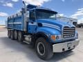 2003 Mack RD688S Semi Truck