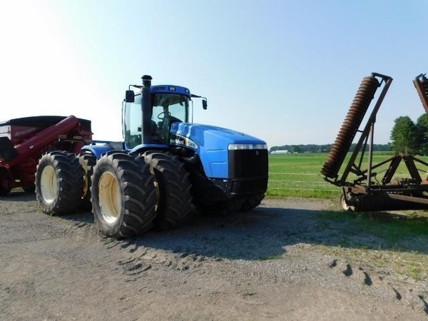 2003 New Holland TJ450 Tractor