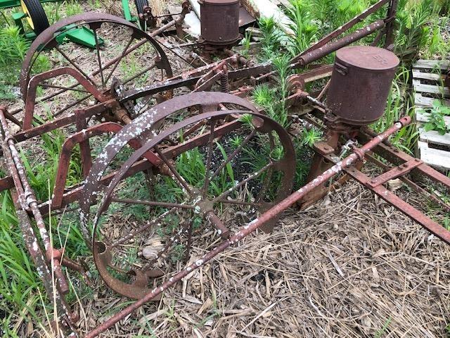 Oliver 112 Planter