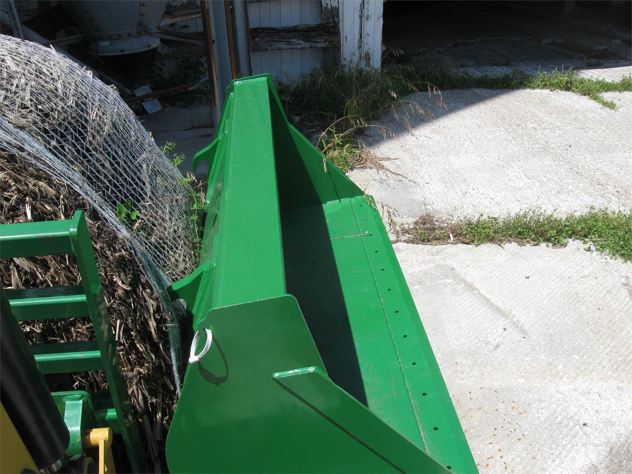 John Deere BW15935 Loader and Skid Steer Attachment