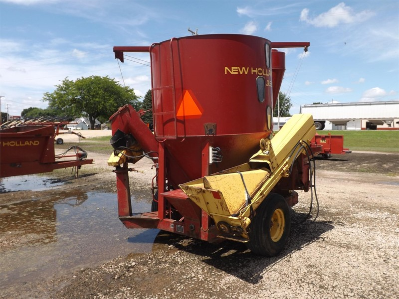 1979 New Holland 355 Grinders and Mixer