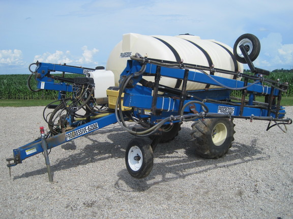 Progressive 4200 Pull-Type Sprayer