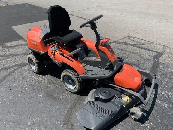 2015 Husqvarna R 322T AWD Lawn and Garden