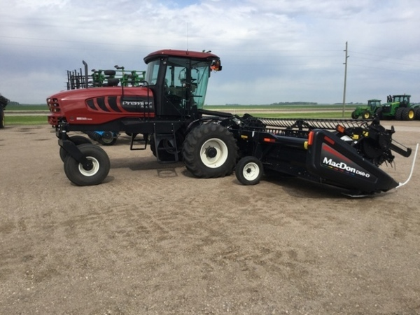 2012 MacDon M155 Self-Propelled Windrowers and Swather