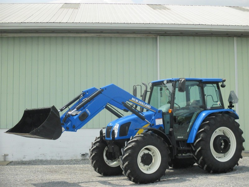 2011 New Holland T5070 Tractor