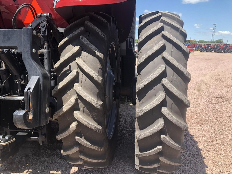 2019 Case IH Magnum 340 CVT Tractor