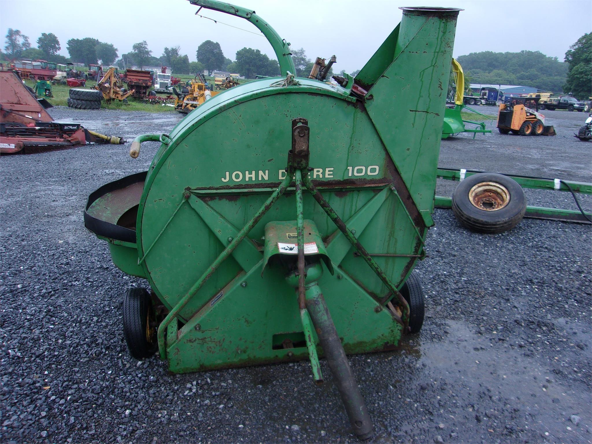 John Deere 100 Forage Blower