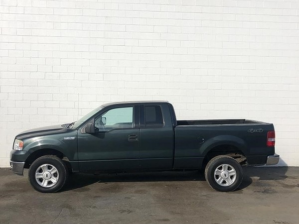 2004 Ford F150 LARIAT Pickup