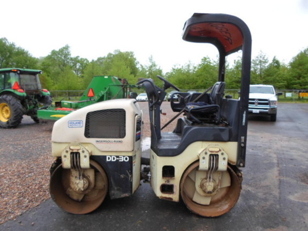 2000 Other DD-30 Compacting and Paving