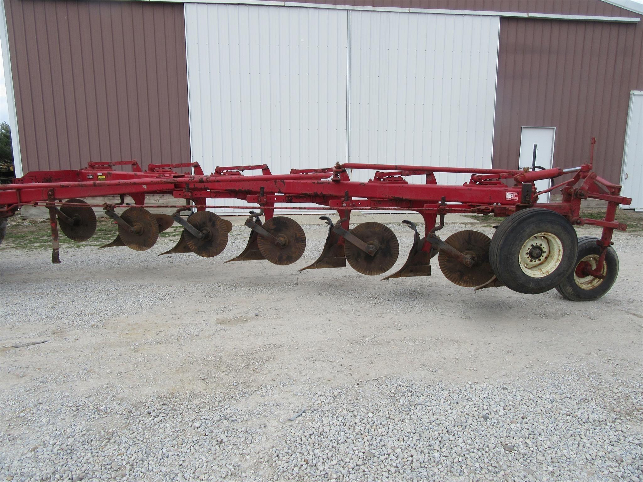 IHC 720 Plow