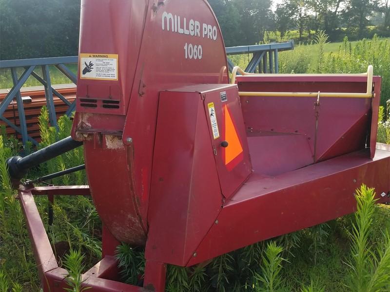 Miller Pro 1060 II Forage Blower