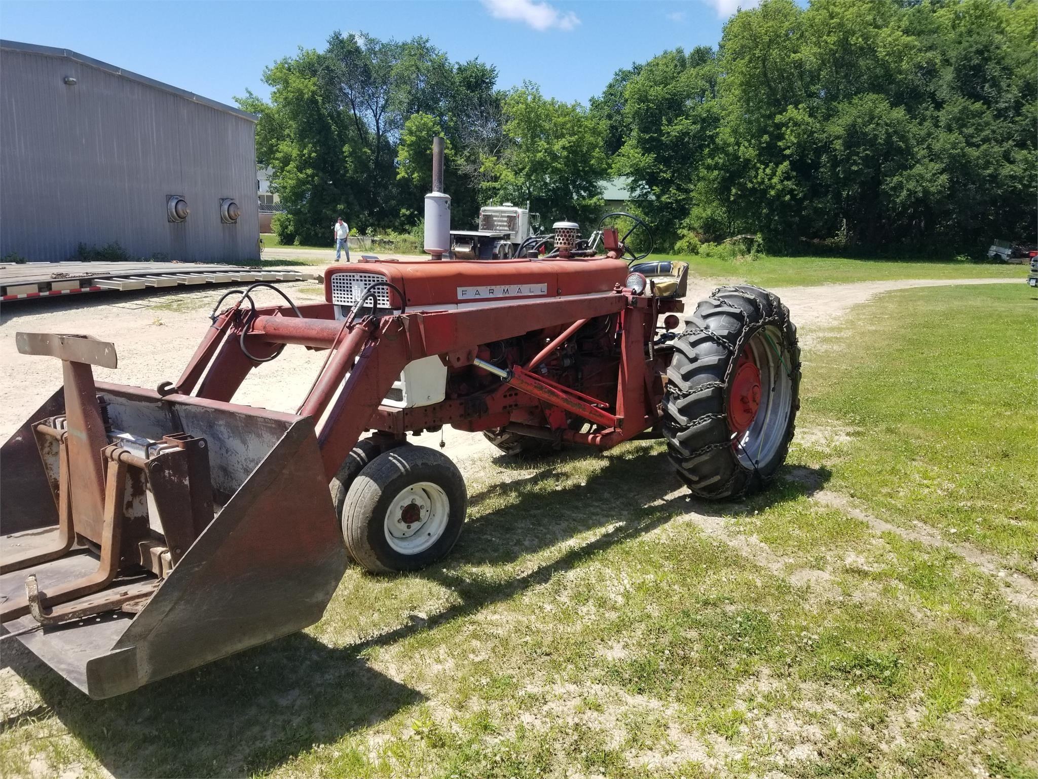 1963 International Harvester 560 Tractor