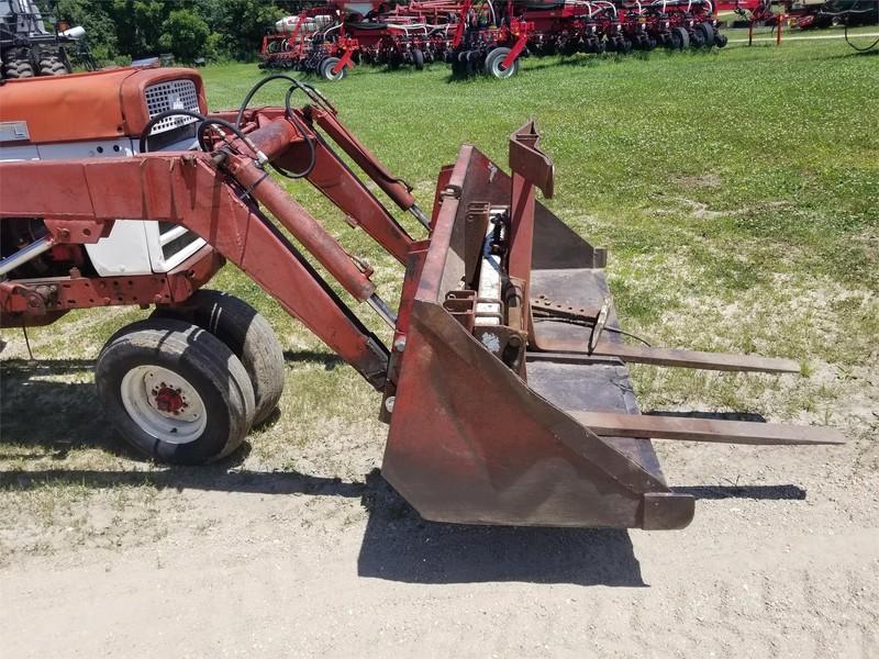 1963 International Harvester 560 Tractor