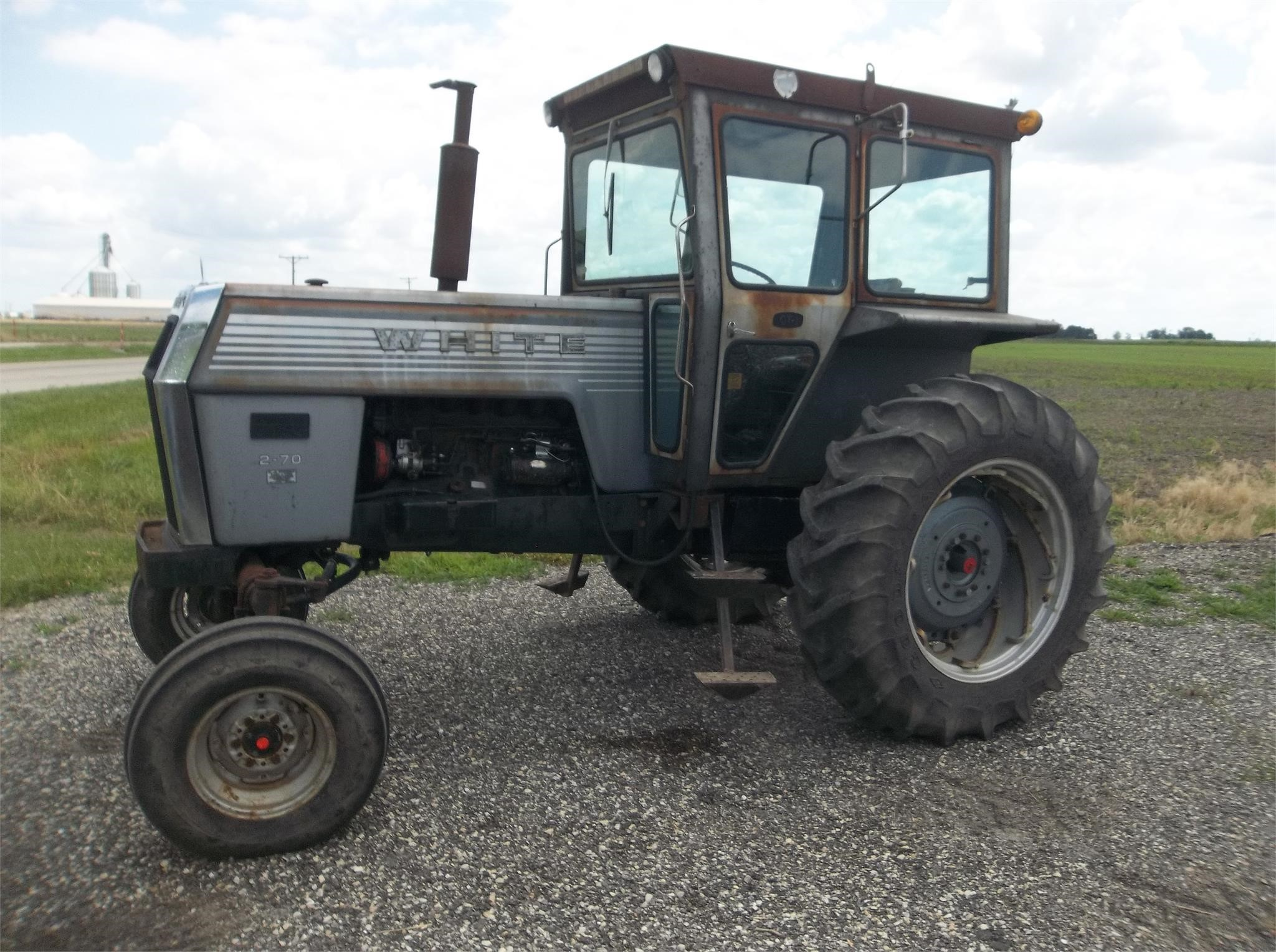 1980 White 2-70 Tractor