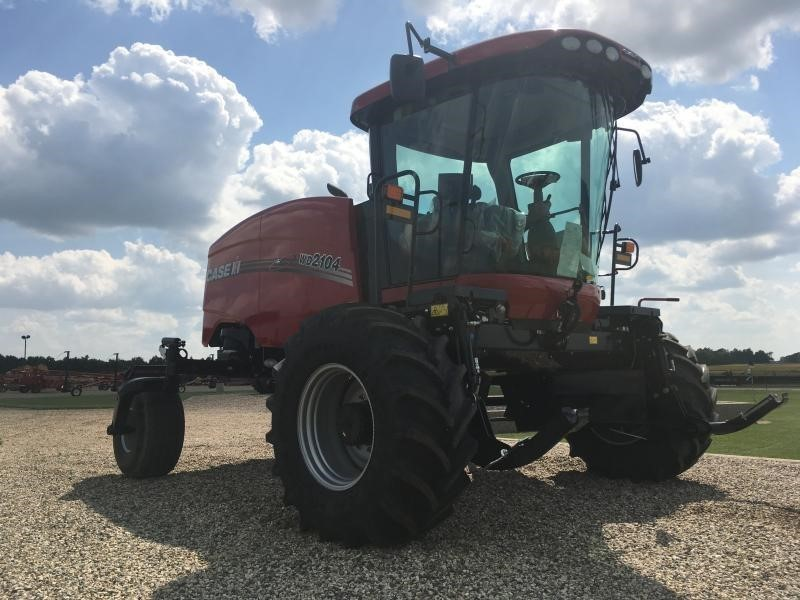 Used Case IH WD2104 Self-Propelled Windrowers and Swathers