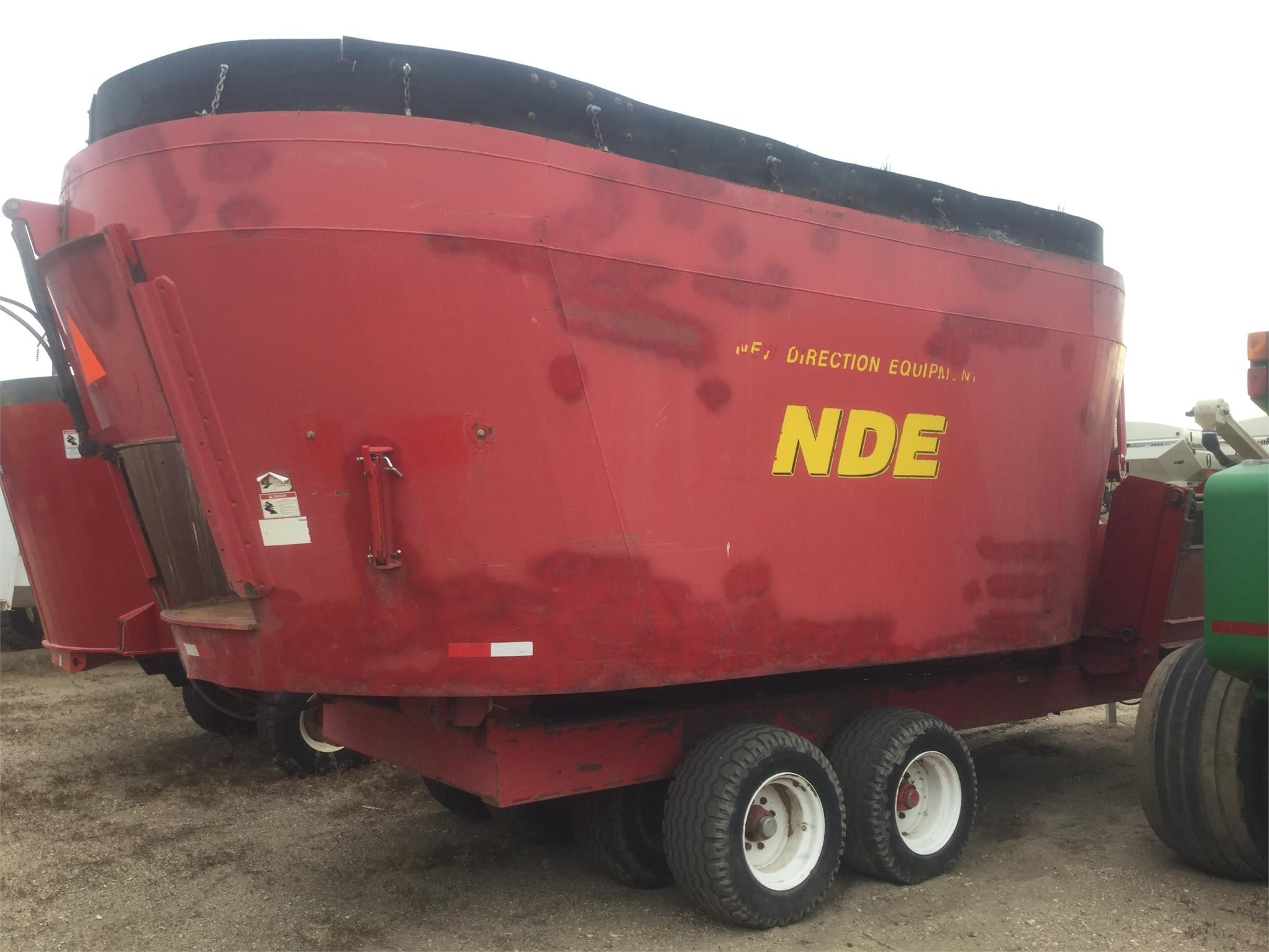 NDE 2802 Grinders and Mixer
