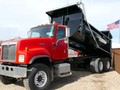 2000 International PAYSTAR 5500 Grain Truck