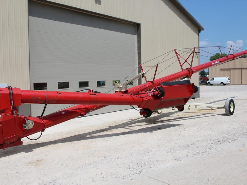 2011 Buhler Farm King 1370 Augers and Conveyor