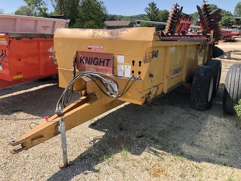 Knight 1040 Manure Spreader