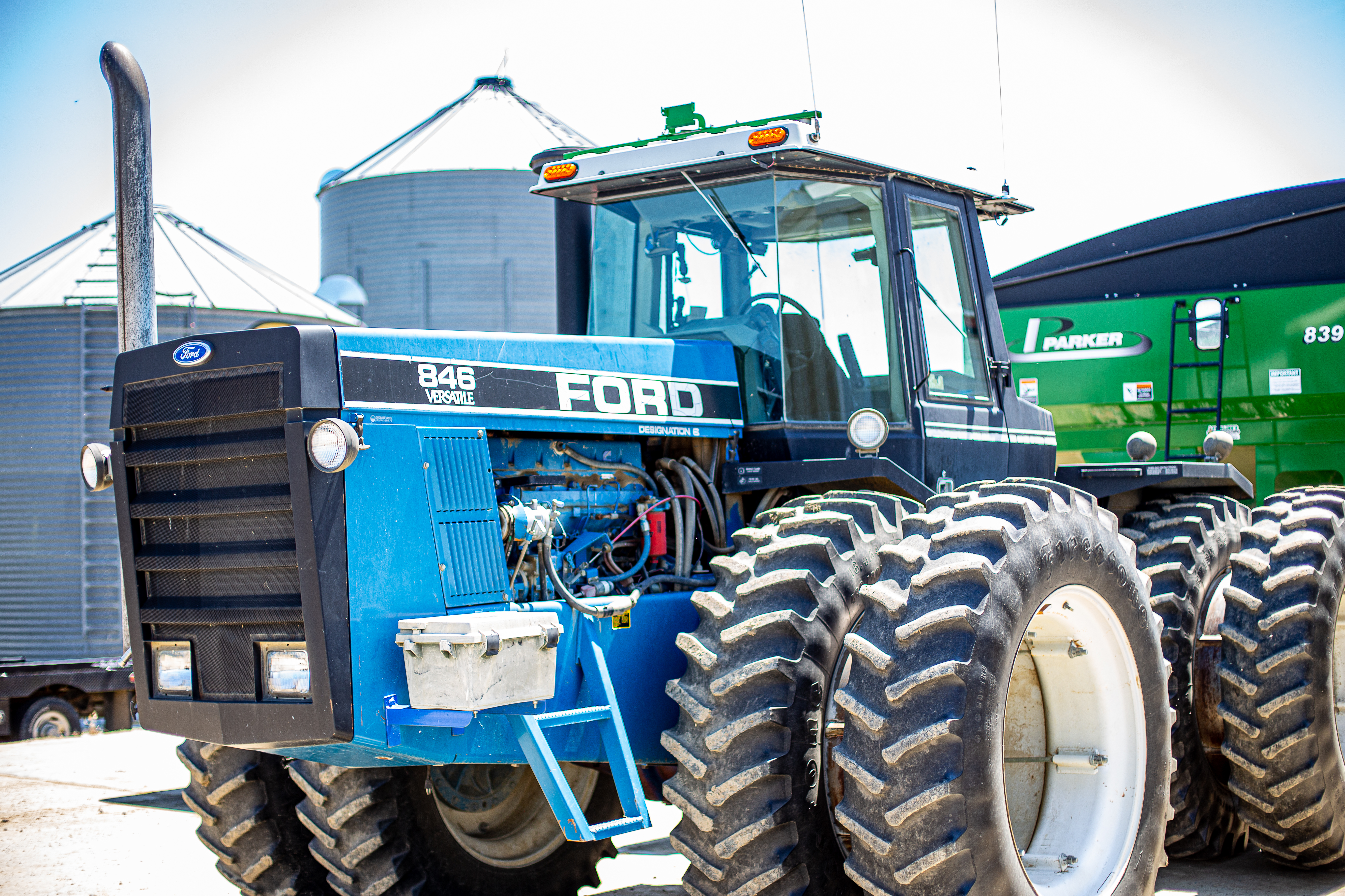 Ford Versatile 846 Tractor