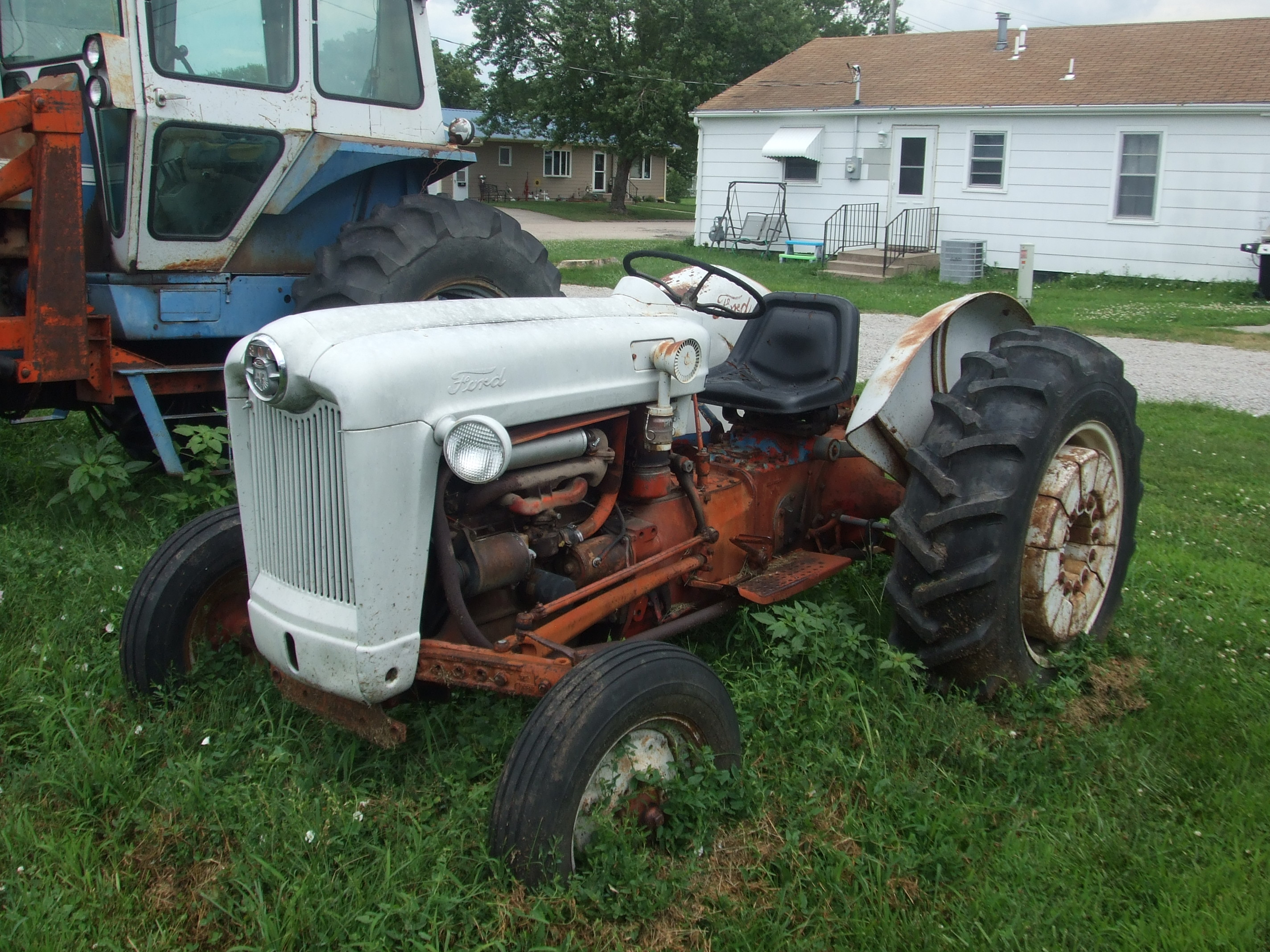 1964 Ford 800 Tractor
