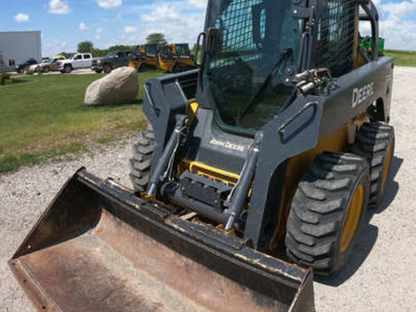 Used Deere 320D Skid Steers for Sale | Machinery Pete