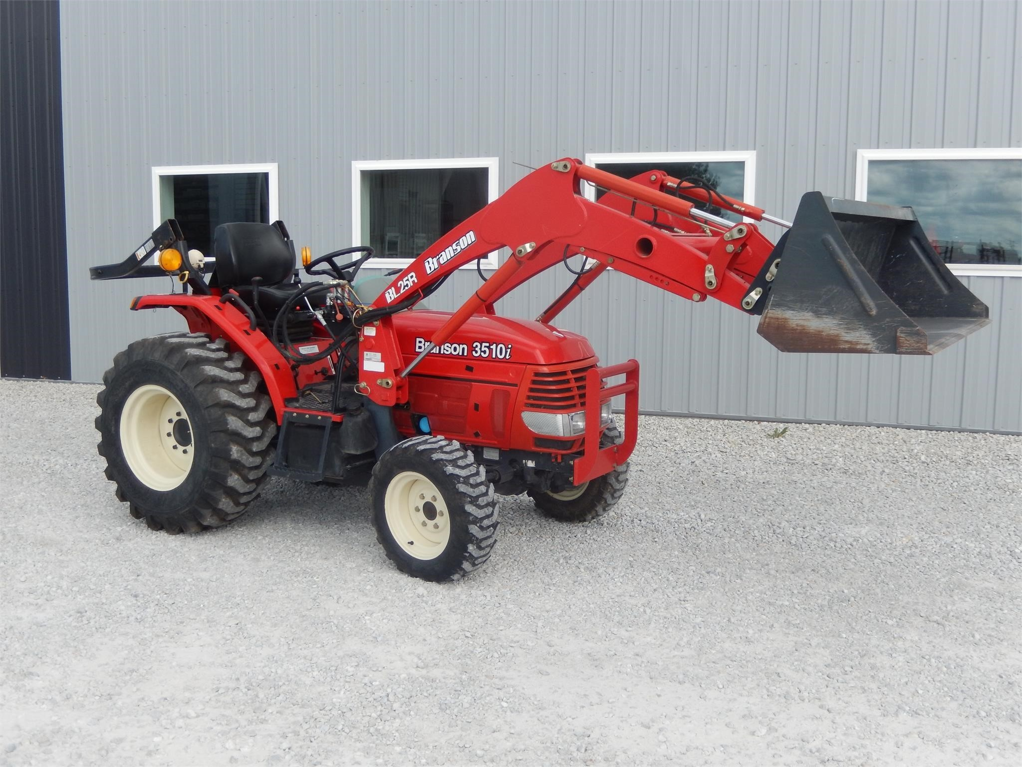 2010 Branson 3510i Tractor