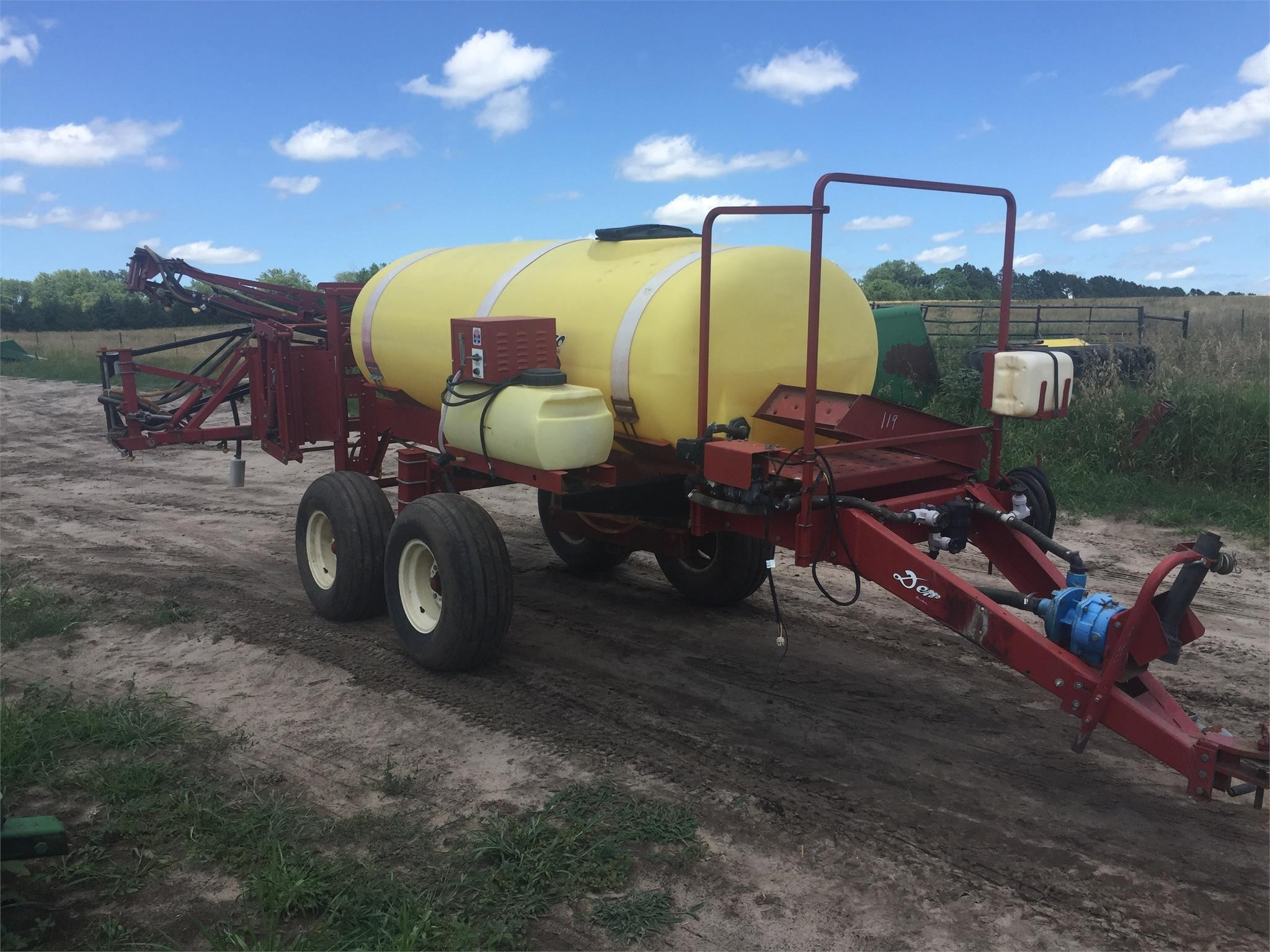 Demco HP500 Pull-Type Sprayer