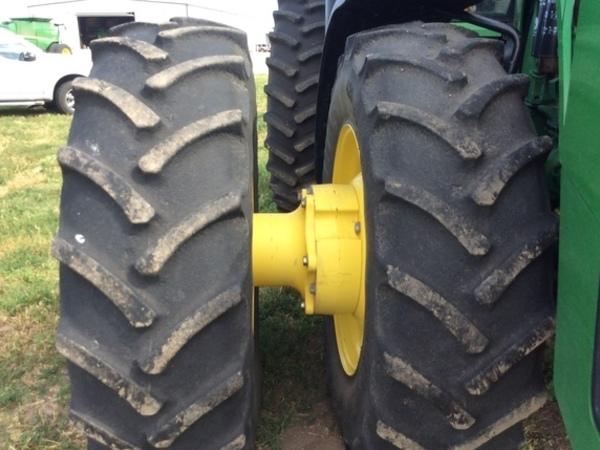 2013 John Deere 8360R Tractor