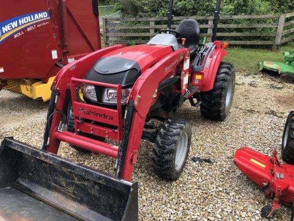 Mahindra 1533 Tractor