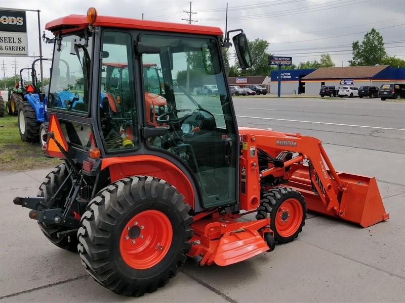 Kubota B3000 Tractor