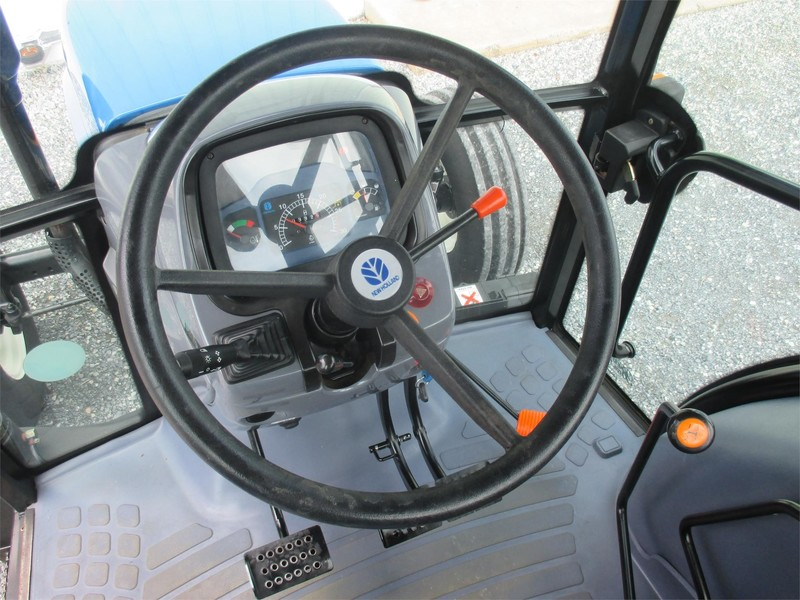 2007 New Holland TD95D Tractor