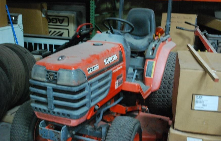 1996 Kubota B2400HSD Tractor